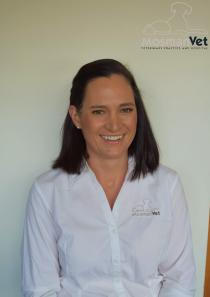 Dr Amy Stewart BVSc (Hons) 3